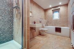 Douglas Gardens Bathroom 2